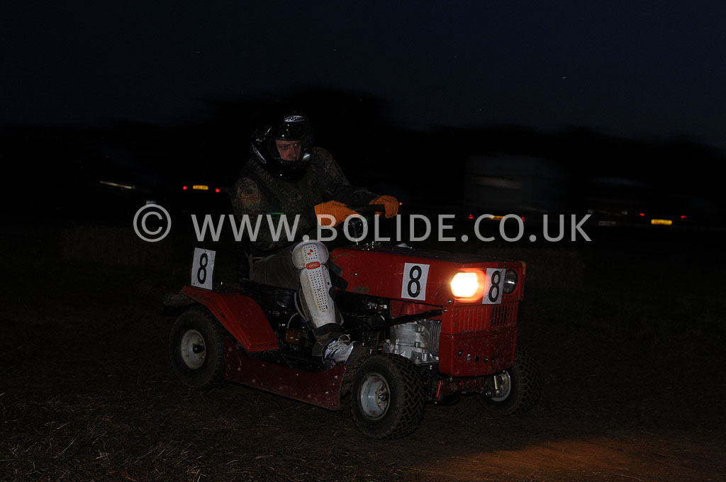 2011-12-hour-lawnmower-race-4488