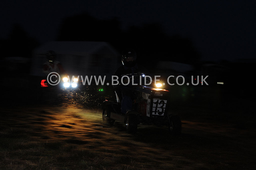 2011-12-hour-lawnmower-race-4489