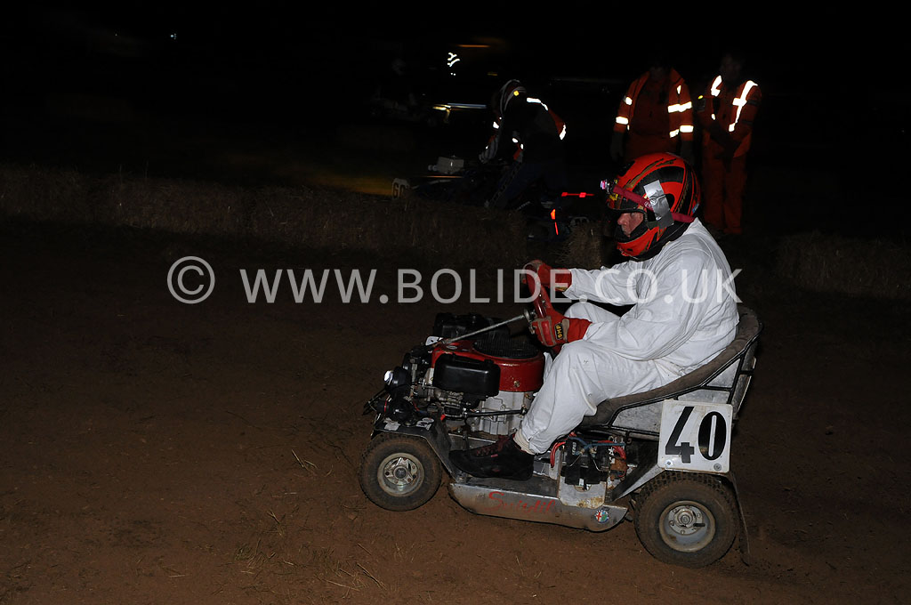 2011-12-hour-lawnmower-race-4581