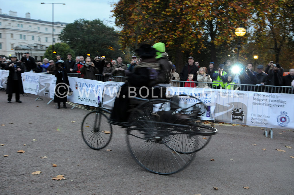 2011-london-to-brighton-veteran-car-run-8601
