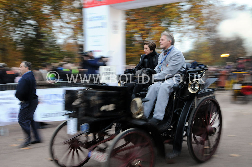 2011-london-to-brighton-veteran-car-run-8608