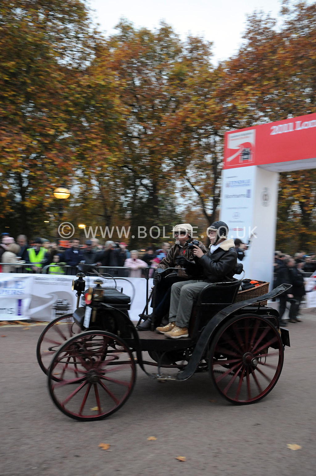 2011-london-to-brighton-veteran-car-run-8633