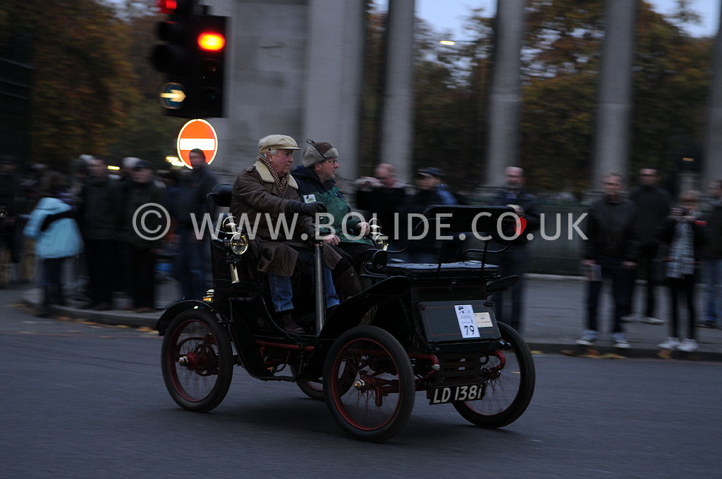 2011-london-to-brighton-veteran-car-run-8661