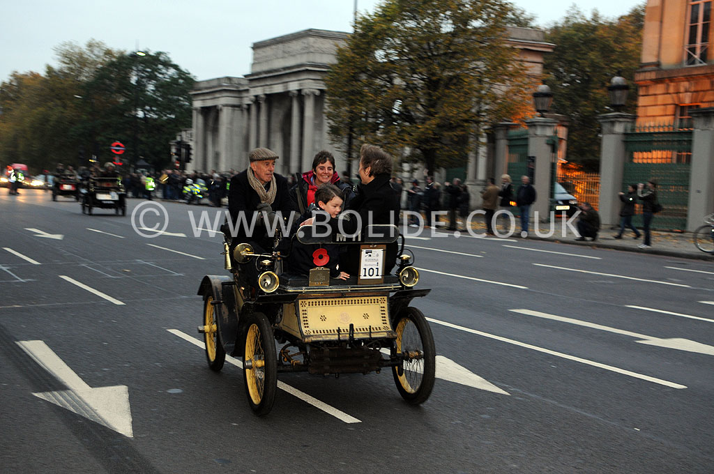 2011-london-to-brighton-veteran-car-run-8671