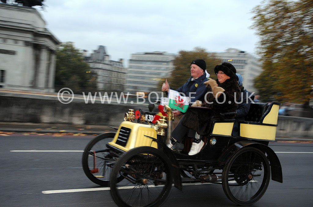 2011-london-to-brighton-veteran-car-run-8675