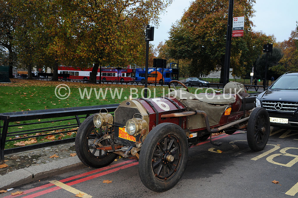 2011-london-to-brighton-veteran-car-run-8679