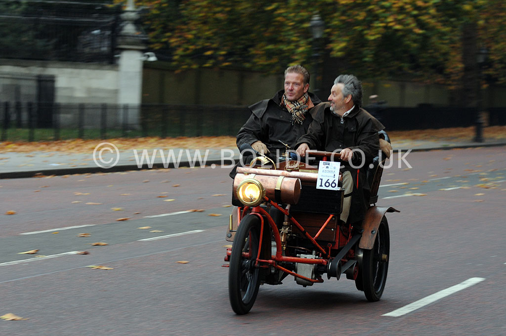 2011-london-to-brighton-veteran-car-run-8693