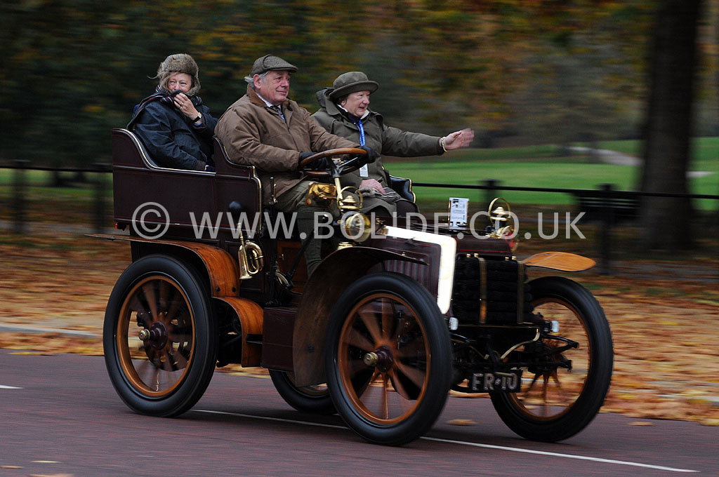 2011-london-to-brighton-veteran-car-run-8698