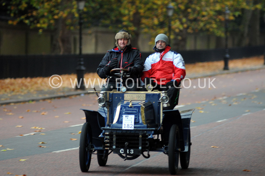 2011-london-to-brighton-veteran-car-run-8709