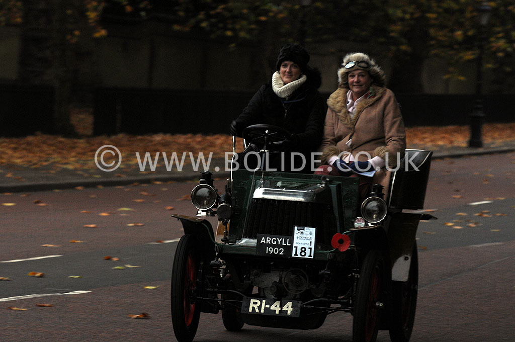 2011-london-to-brighton-veteran-car-run-8713