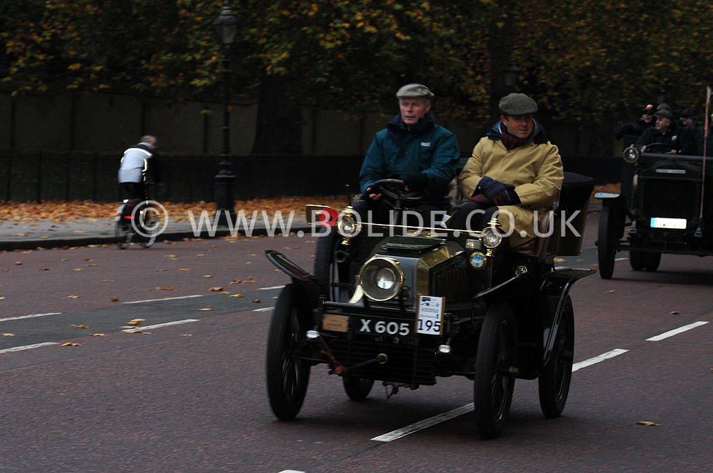 2011-london-to-brighton-veteran-car-run-8714