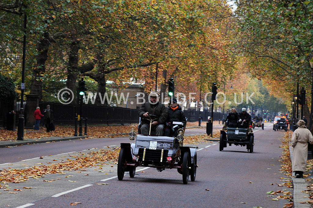 2011-london-to-brighton-veteran-car-run-8726