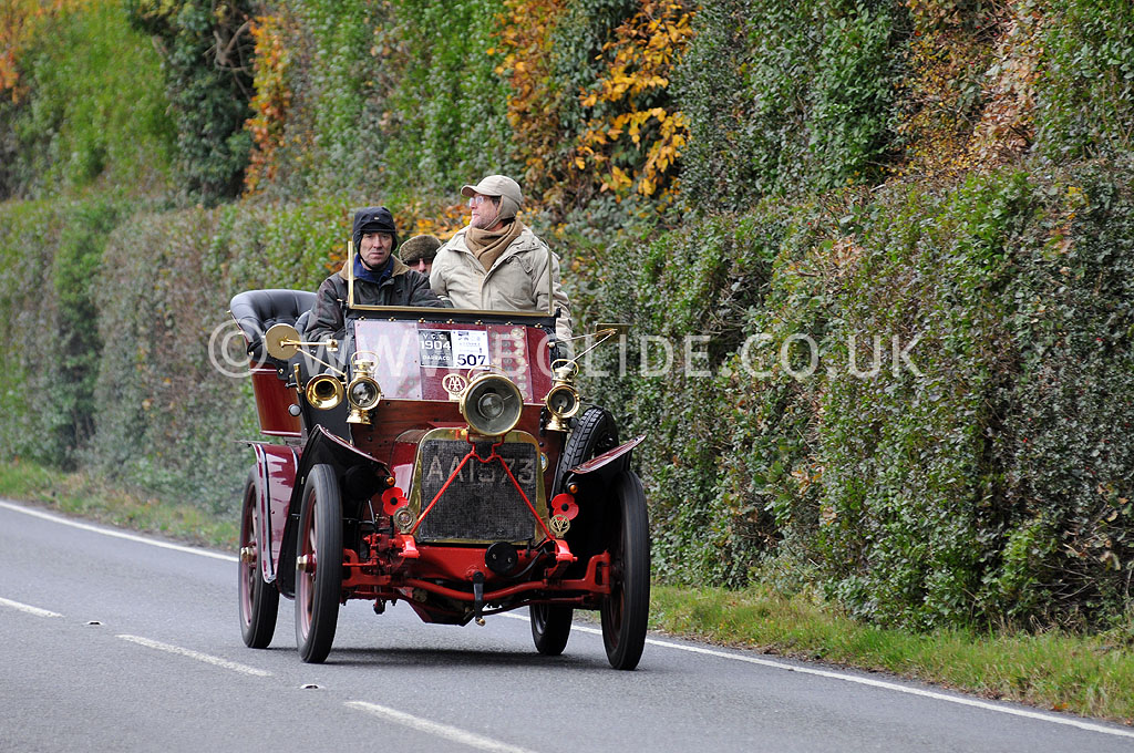 2011-london-to-brighton-veteran-car-run-8878