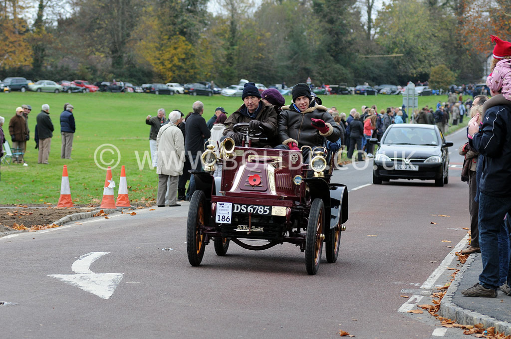 2011-london-to-brighton-veteran-car-run-9002