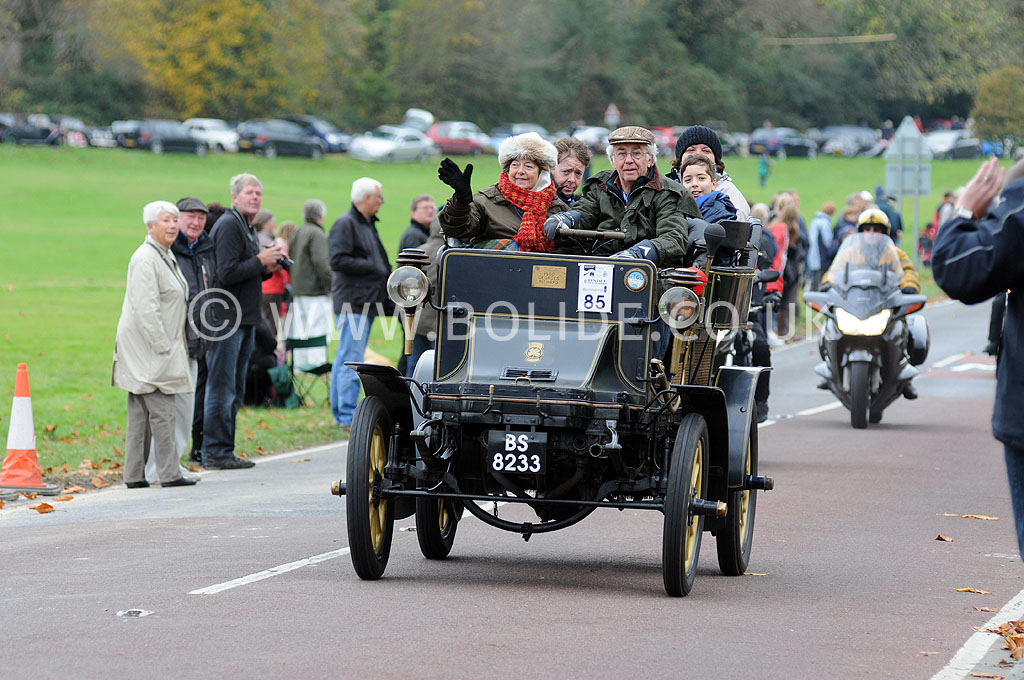 2011-london-to-brighton-veteran-car-run-9012