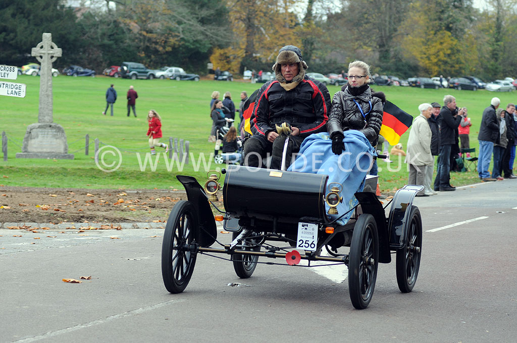 2011-london-to-brighton-veteran-car-run-9014