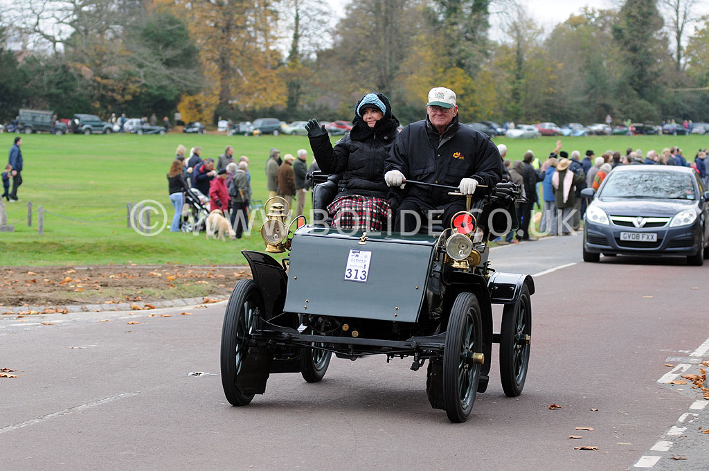 2011-london-to-brighton-veteran-car-run-9022