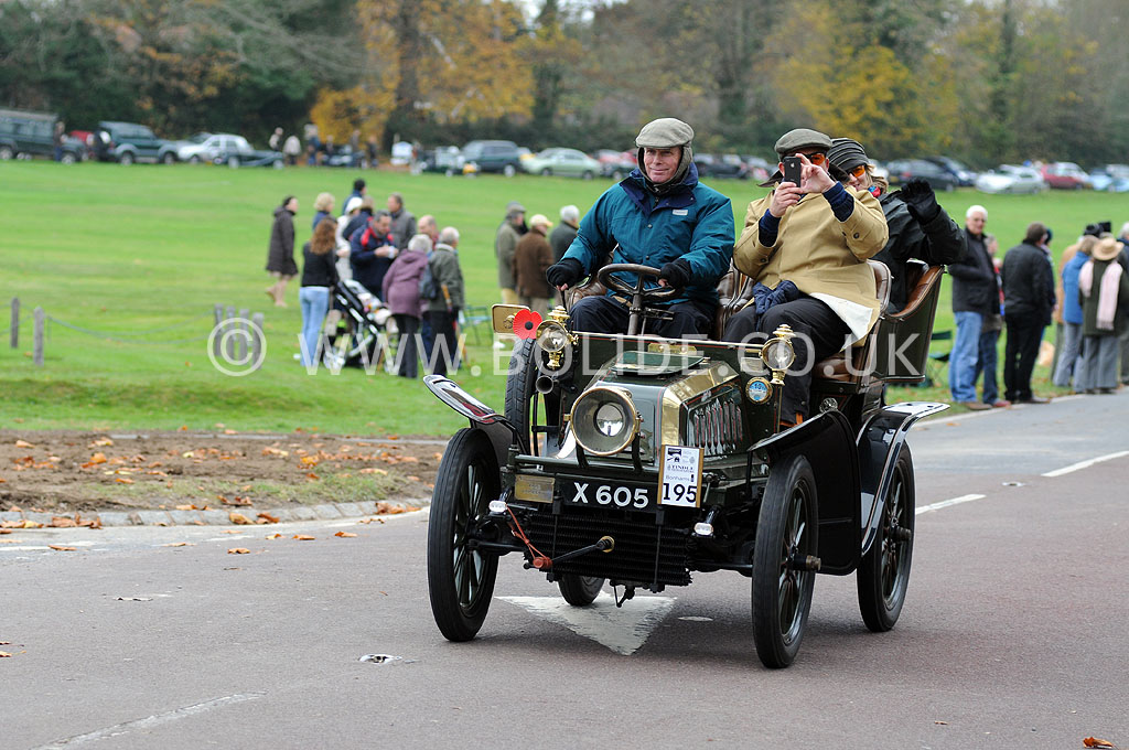 2011-london-to-brighton-veteran-car-run-9024