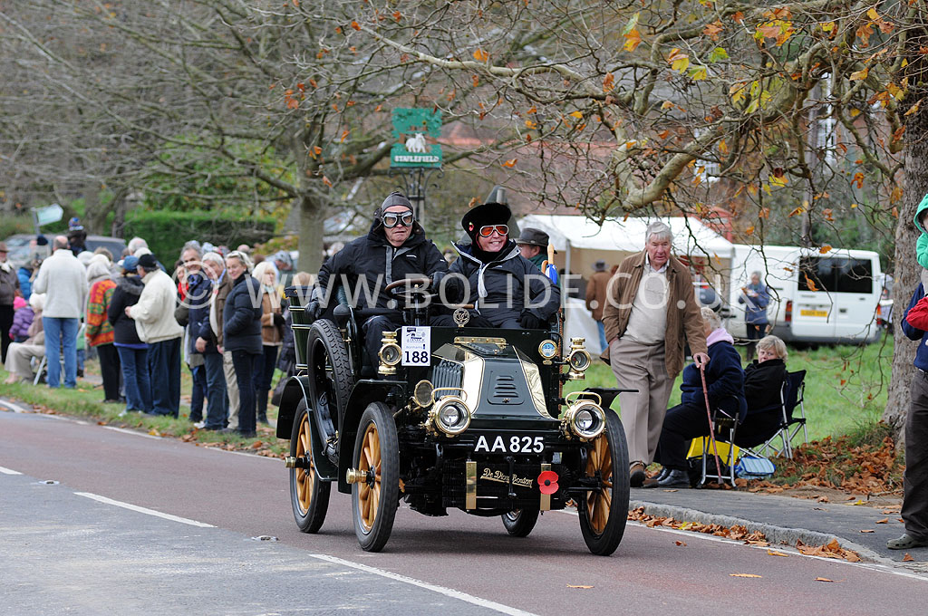 2011-london-to-brighton-veteran-car-run-9029