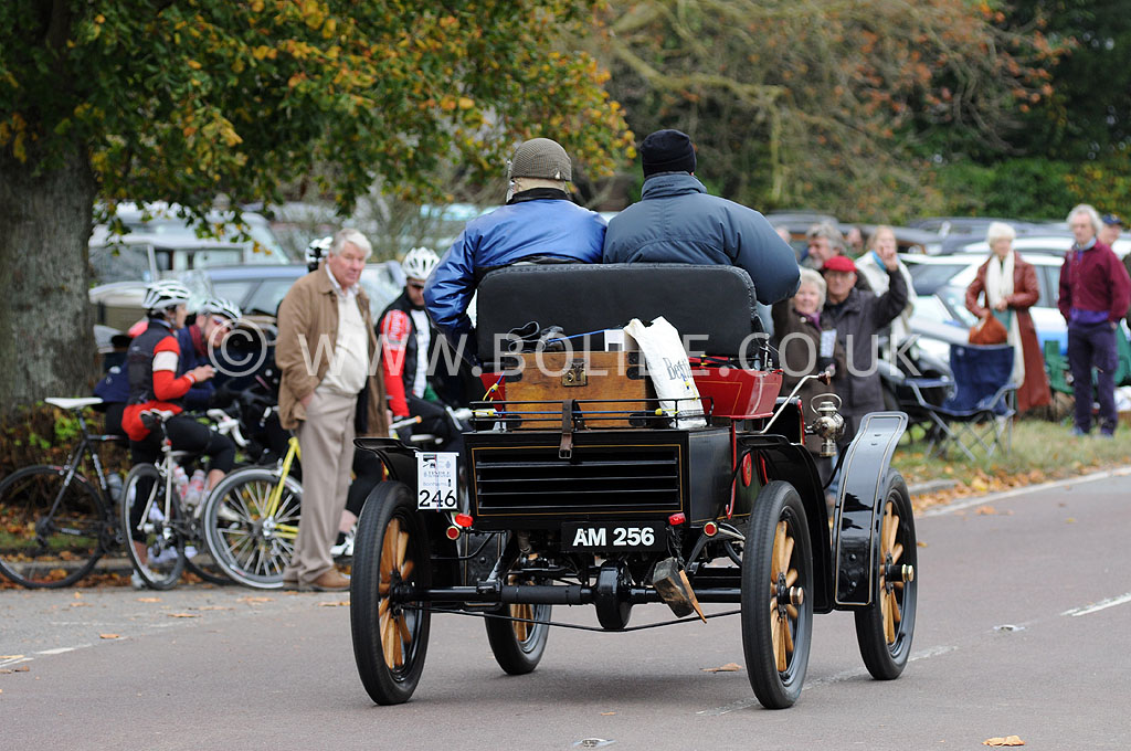 2011-london-to-brighton-veteran-car-run-9038