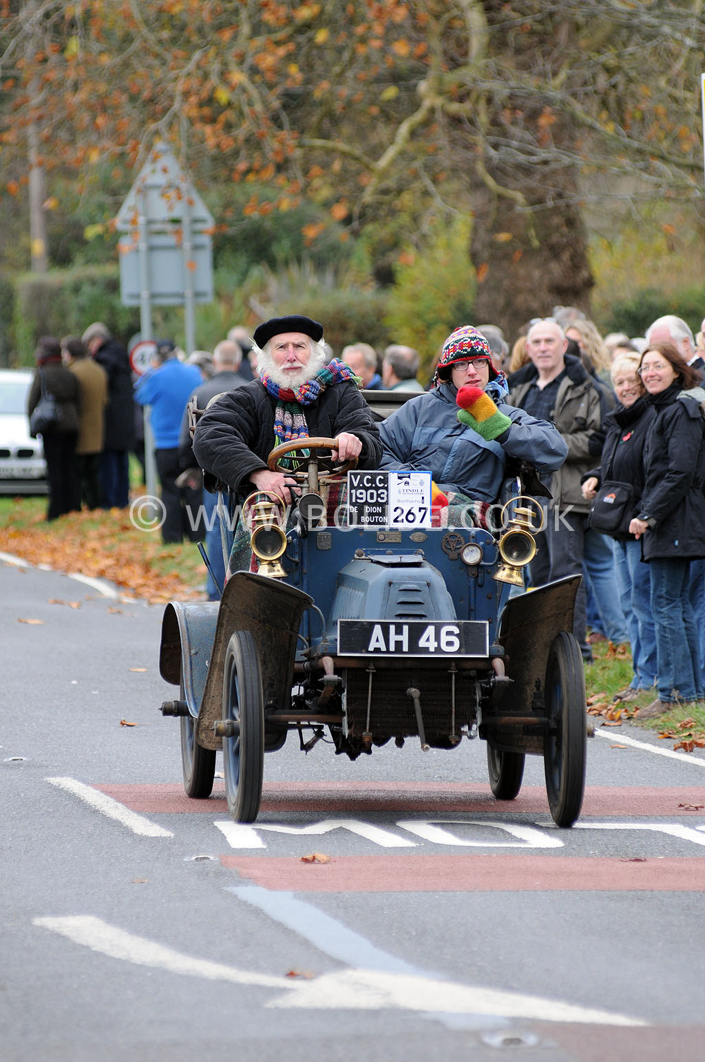 2011-london-to-brighton-veteran-car-run-9040