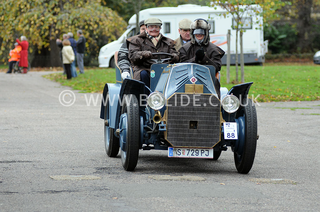2011-london-to-brighton-veteran-car-run-9076