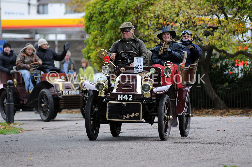 2011-london-to-brighton-veteran-car-run-9091