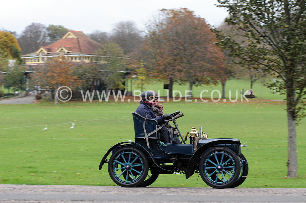 2011-london-to-brighton-veteran-car-run-9166