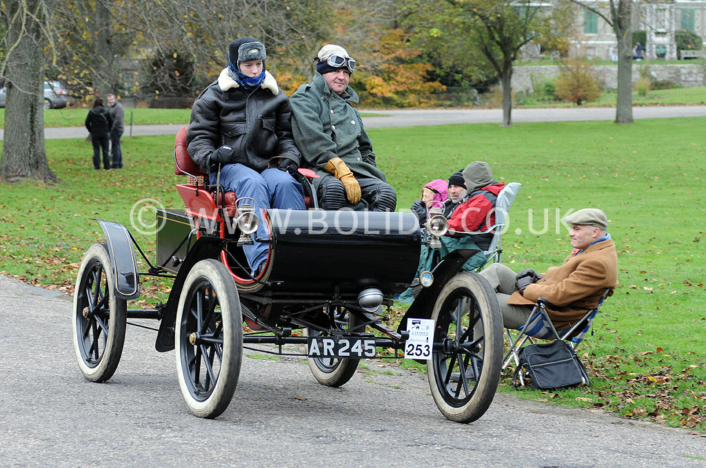 2011-london-to-brighton-veteran-car-run-9216