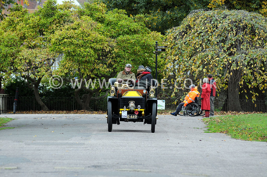2011-london-to-brighton-veteran-car-run-9217