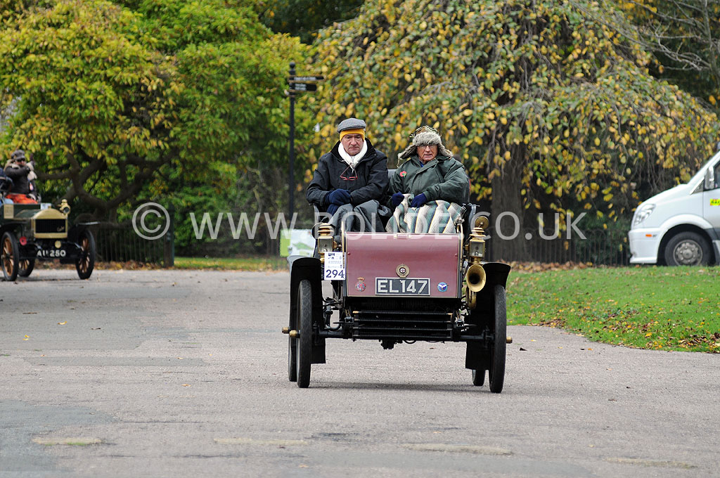 2011-london-to-brighton-veteran-car-run-9222