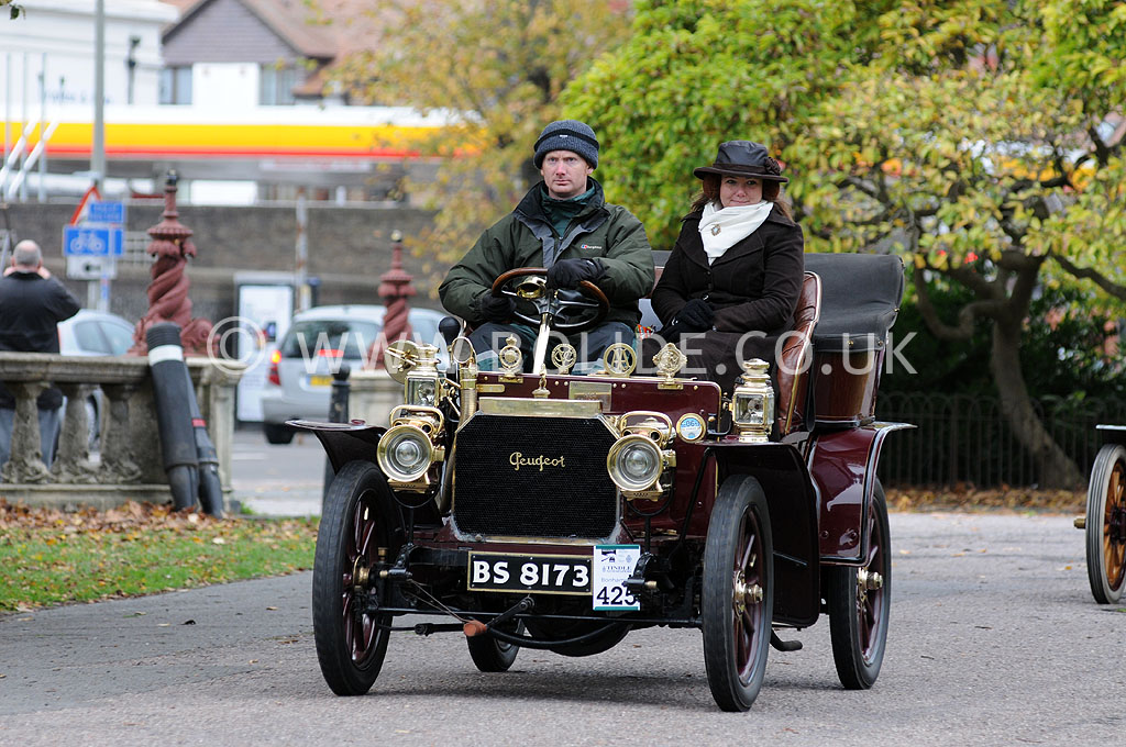 2011-london-to-brighton-veteran-car-run-9245