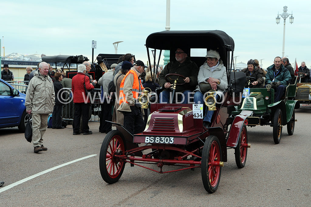 2011-london-to-brighton-veteran-car-run-9280
