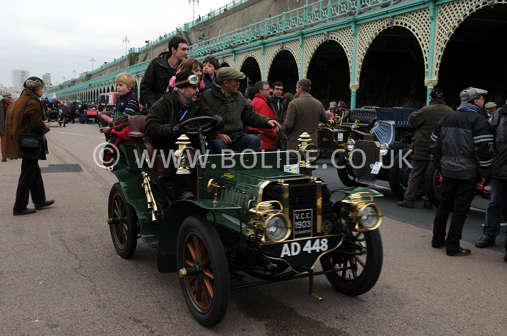 2011-london-to-brighton-veteran-car-run-9293