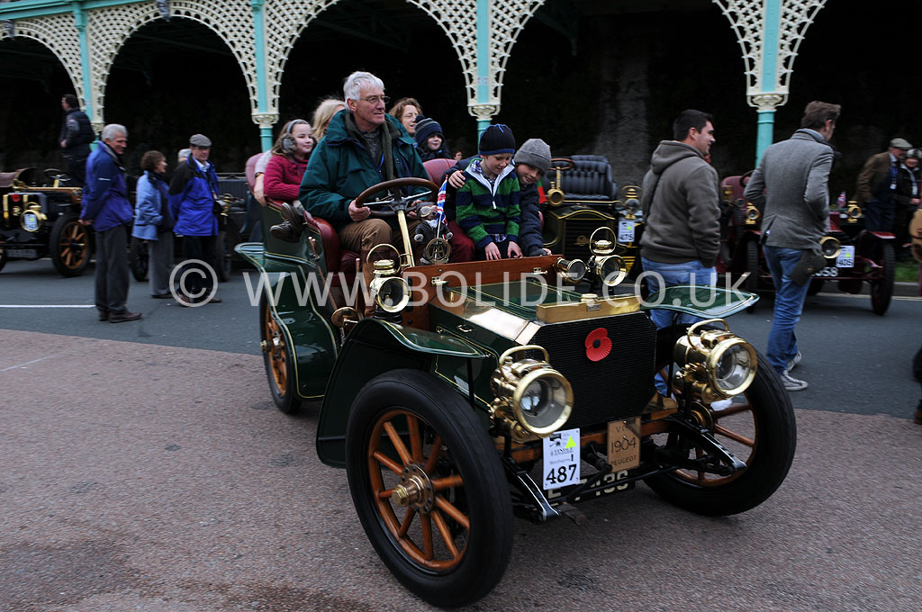2011-london-to-brighton-veteran-car-run-9295