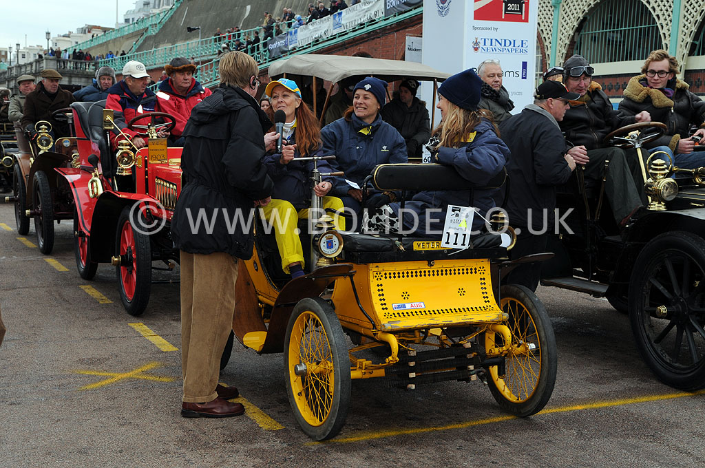 2011-london-to-brighton-veteran-car-run-9315