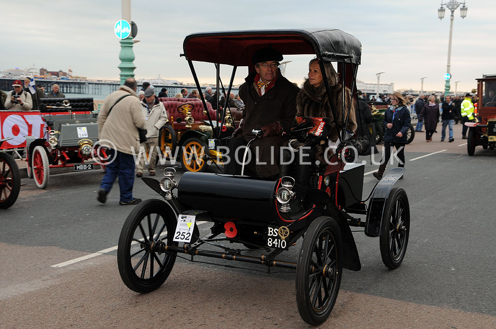 2011-london-to-brighton-veteran-car-run-9332