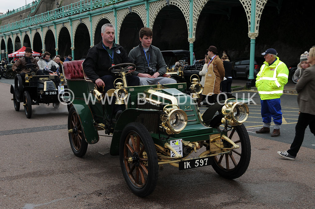 2011-london-to-brighton-veteran-car-run-9337