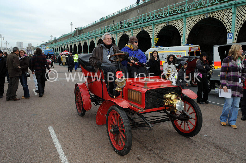 2011-london-to-brighton-veteran-car-run-9340