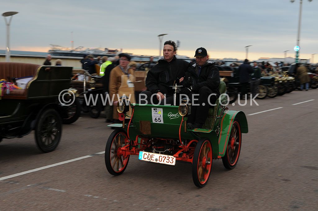 2011-london-to-brighton-veteran-car-run-9375