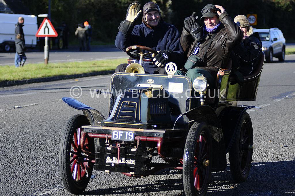 2012-london-to-brighton-veteran-car-run-0820