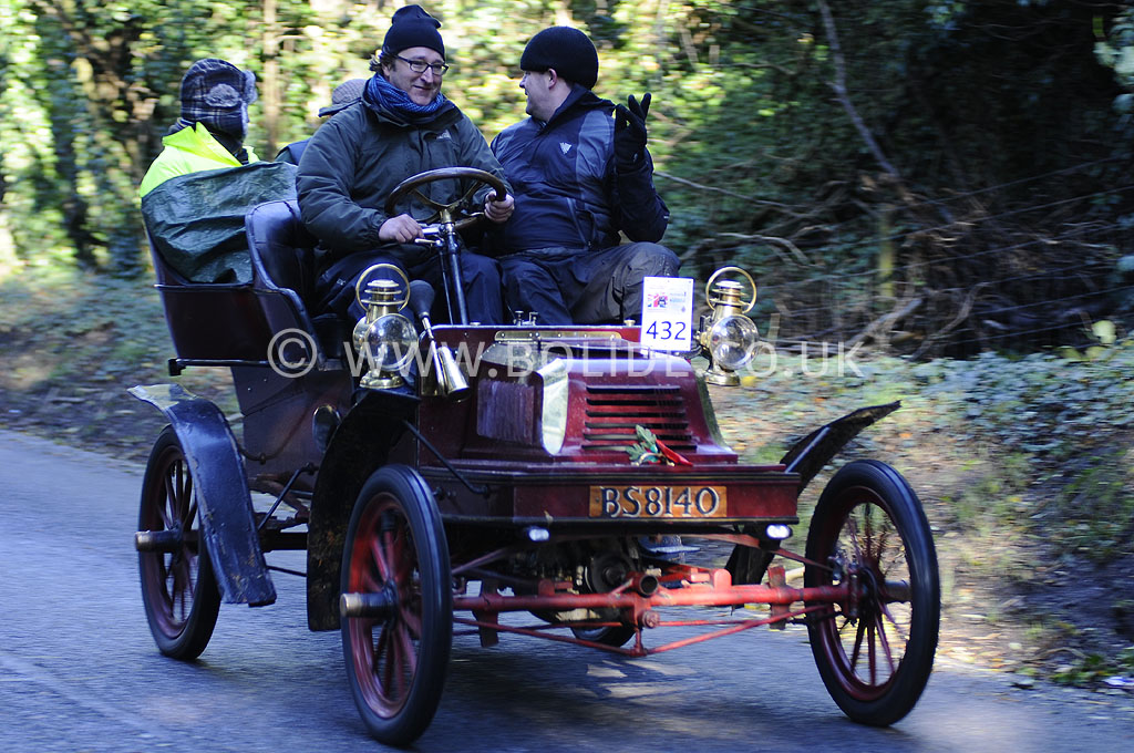 2012-london-to-brighton-veteran-car-run-1001