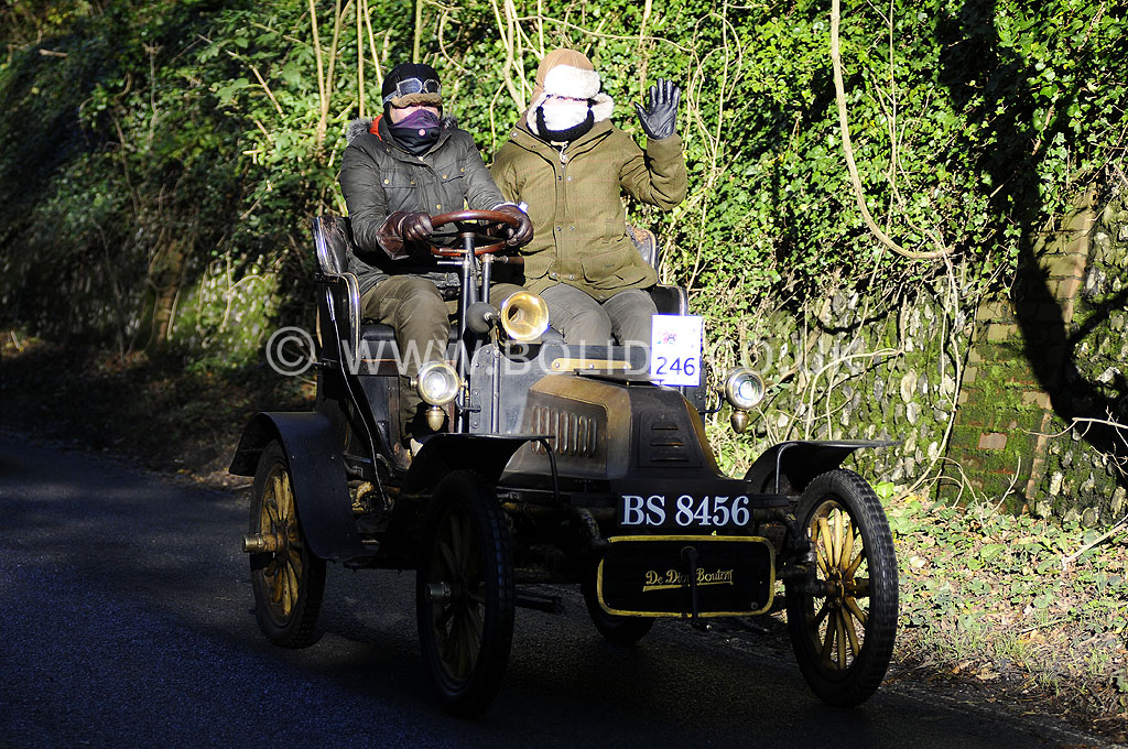 2012-london-to-brighton-veteran-car-run-1031