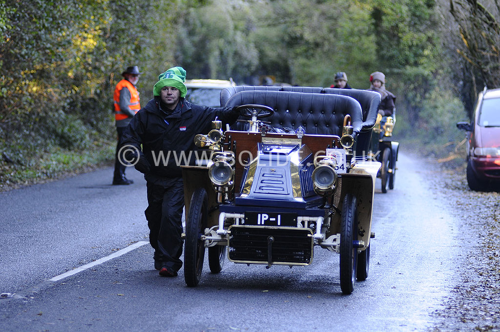 2012-london-to-brighton-veteran-car-run-1253
