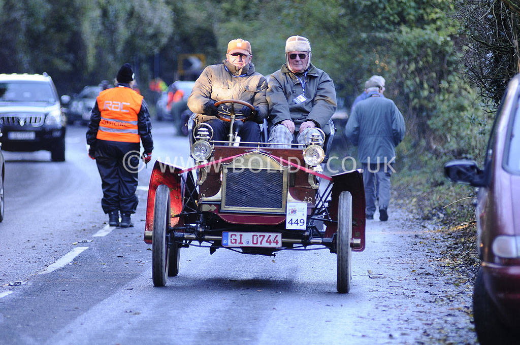 2012-london-to-brighton-veteran-car-run-1295