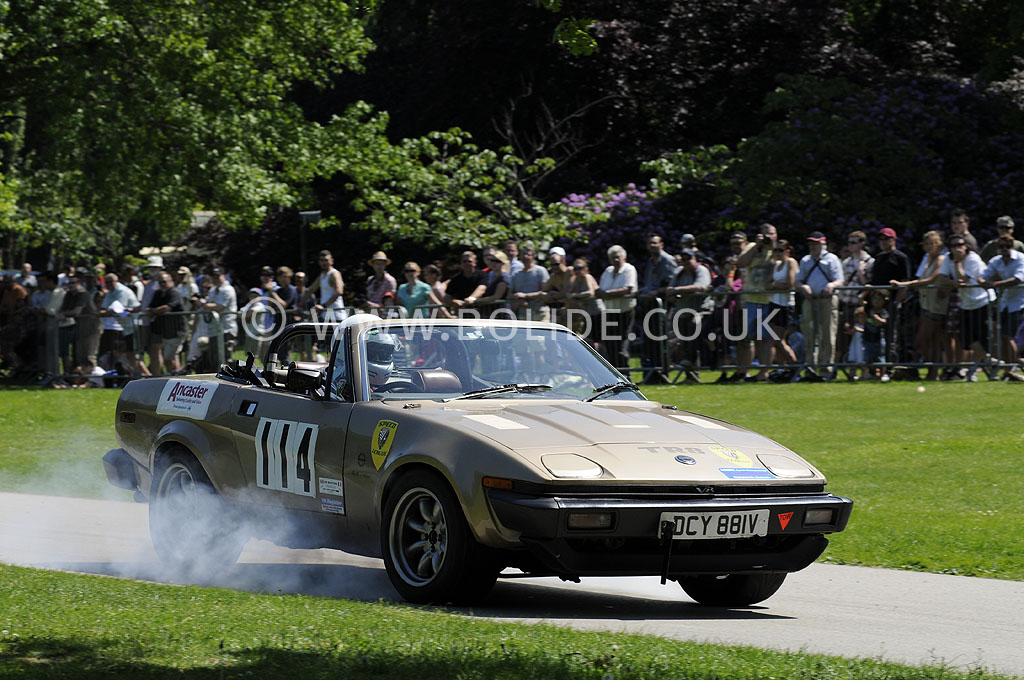 2012-motorsport-at-the-palace-day-2-7084